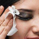 Quitar restos de sombra de ojos, eyeliner y rimmel