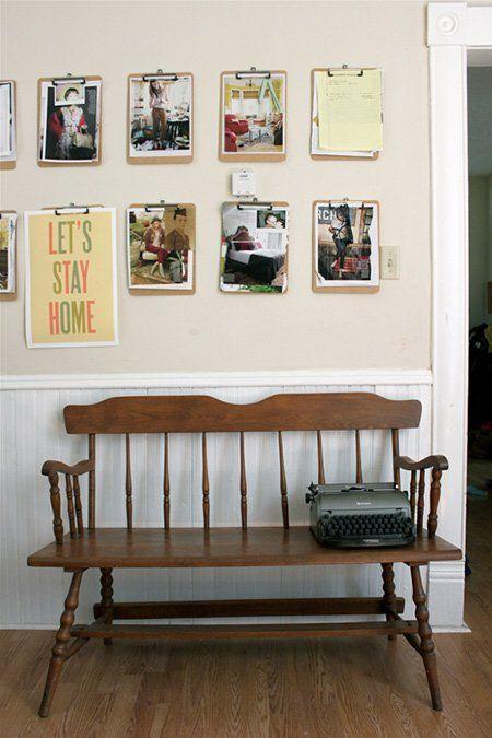 Marcos de fotos caseros hechos con portapapeles.