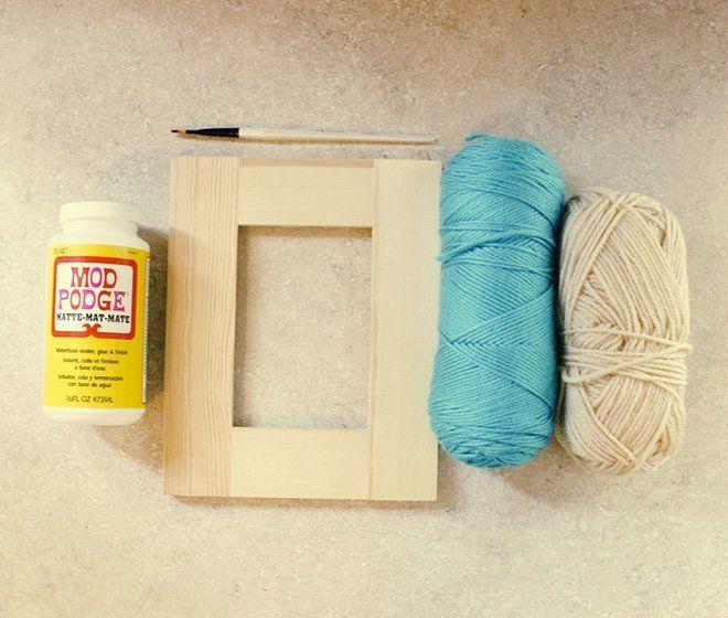 materiales para hacer un marco casero decorado con lanas