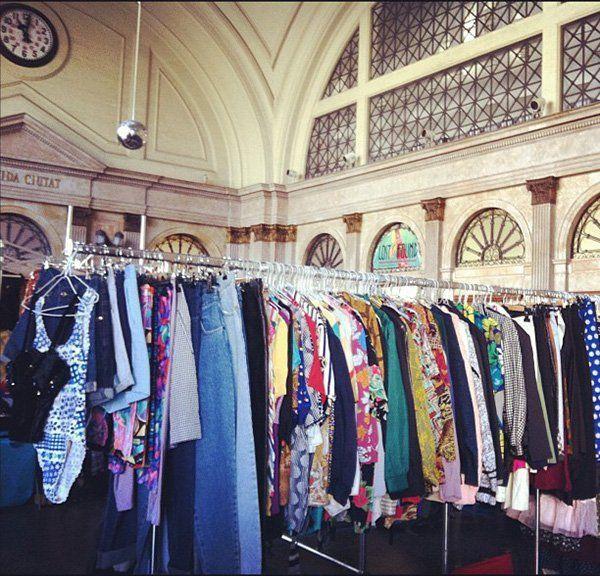 truco para vender ropa usada en mercadillos