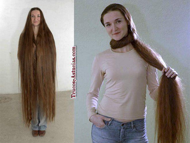 Mujer con el pelo muy largo