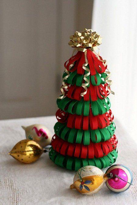 manualidad para hacer un árbol de navidad con cintas