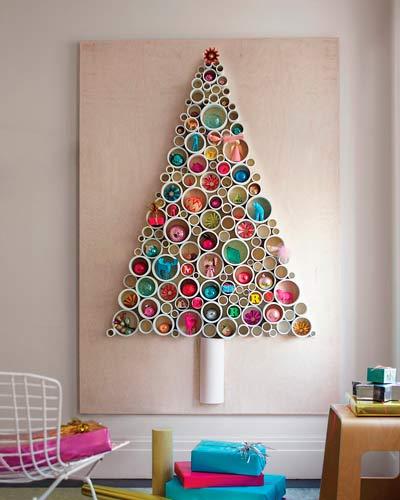 árbol navideño original con tubos de pcv cortados, para colgar