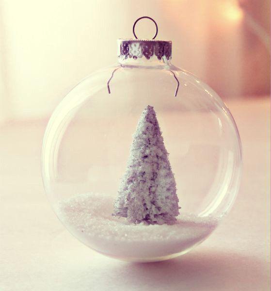 bolas de navidad de cristal con nieve
