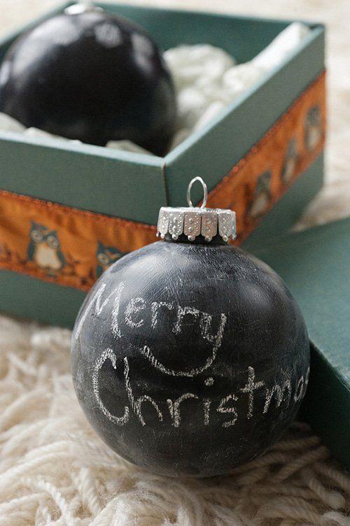 Bola de Navidad con pintura de pizarra