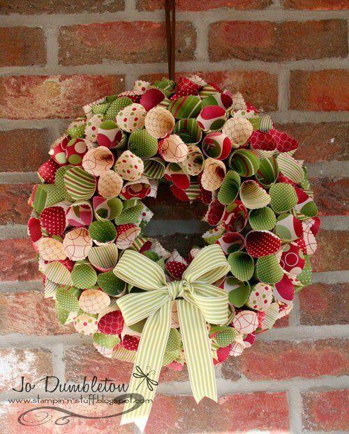 31 coronas de navidad originales instrucciones trucos y for Puertas decoradas navidad material reciclable