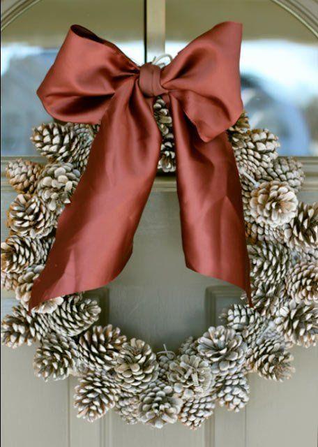 tutorial corona de navidad con piñas de árbol
