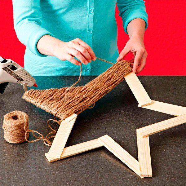 estrella de navidad hecha con cuerda de yute