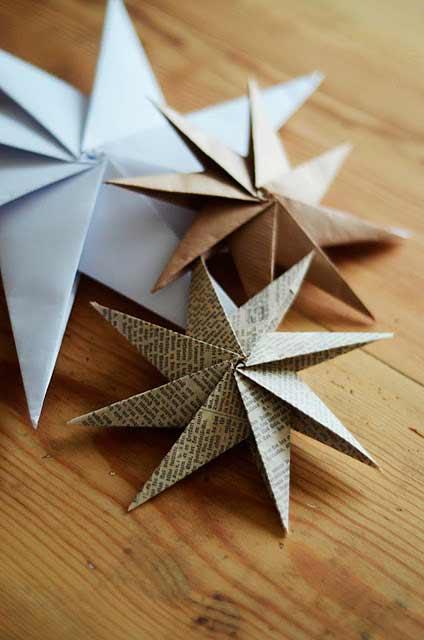 estrella de navidad hecha con la técnica de doblado de papel origami