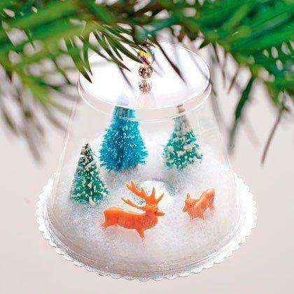 bola de nieve casera para el árbol de navidad