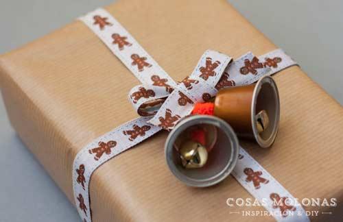 envolver regalos de navidad  reutilizando cápsulas de café nespresso