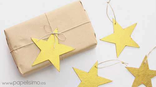idea para envolver regalos de forma original con estrellas