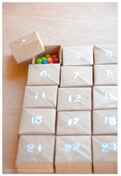 calendario de adviento hecho con cajitas pequeñas
