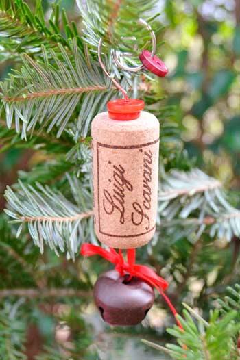adorno para el árbol de Navidad con corcho de botella