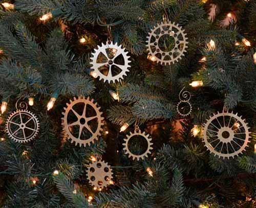 engranajes utilizados para decorar el arbol de navidad