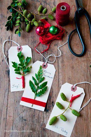 adornos para el árbol de Navidad con papel: etiquetas con hojas