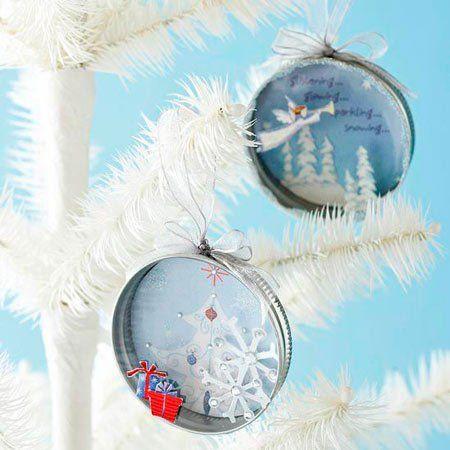 adorno para el árbol de Navidad con una tapa metálica