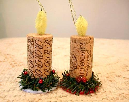 adornos para el árbol de Navidad con corchos de botella