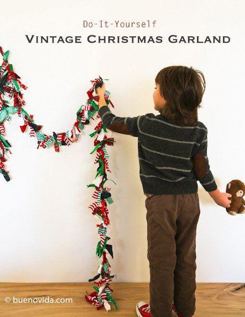 guirnalda de navidad hecha con retales de tela