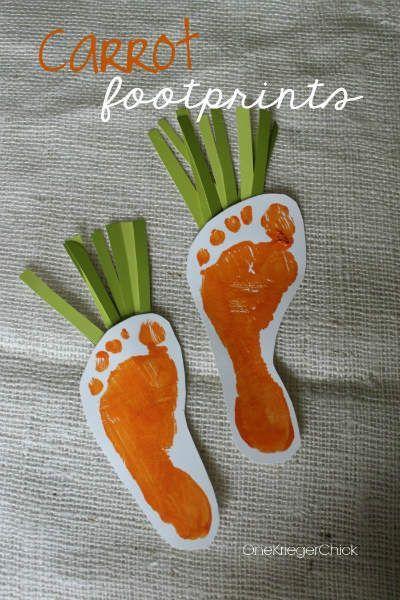 manualidad para niños con forma de zanahoria hecha con la huella de sus pies