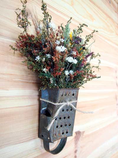 28 centros de mesa floreros y macetas para hacer con for Como hacer adornos con plantas artificiales