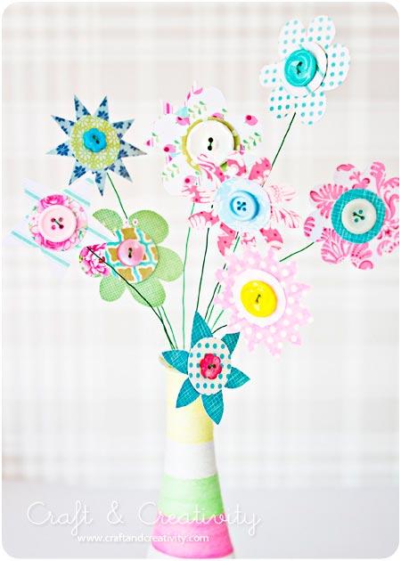 manualidad para hacer flores originales y divertidas con papel y botones para decorar en casa