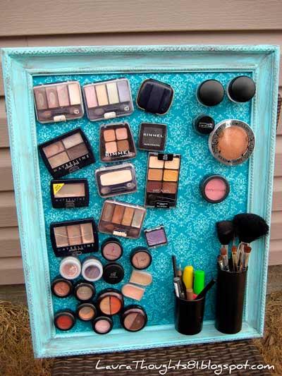cuadro reutilizado para guardar maquillaje