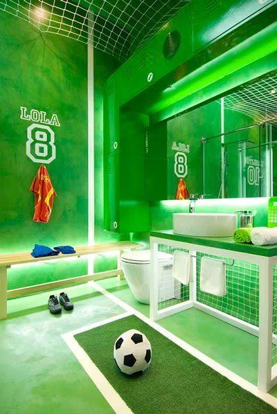 idea para decorar el baño de forma original con temática de futbol