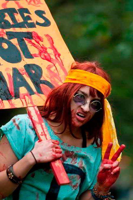 disfraz casero para halloween de hippie zombie