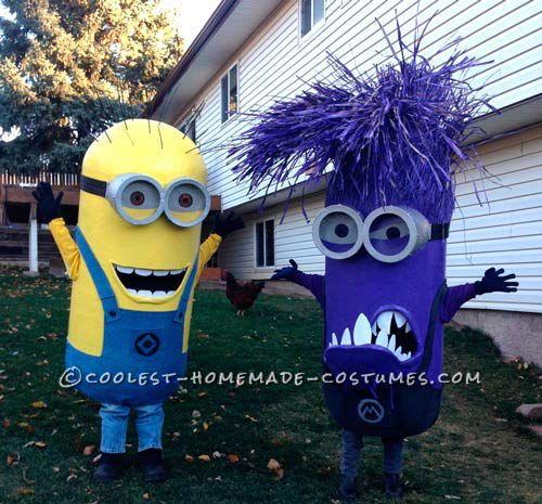 dos disfraces caseros de minion morado y amarillo