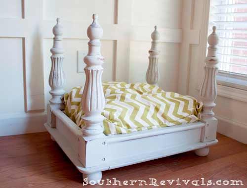 cómo hacer una cama para perro con una mesa vieja