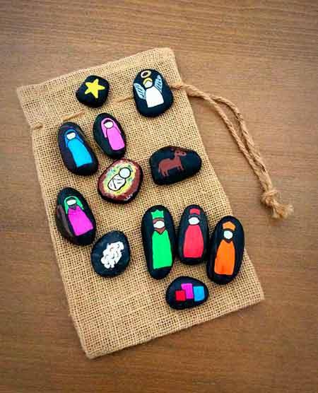 pesebre casero para navidad con piedras pintadas