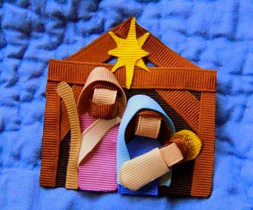 nacimiento de navidad hecho con cintas
