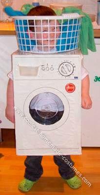 disfraz super original y divertido hecho a mano para un niño dentro de una lavadora