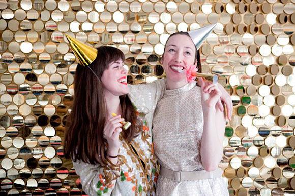 fondo para photocall de fiesta o boda muy glamuroso, con lentejuelas brillantes