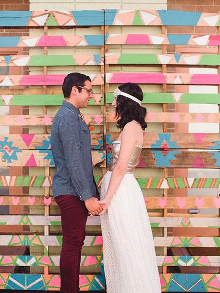 Fondo para photocall de boda hecho con pallets pintados