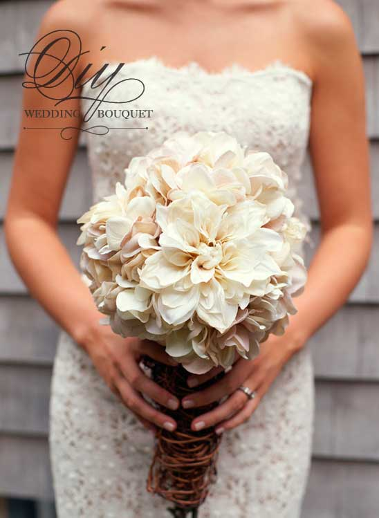 ramo de novia natural con flores blancas de hydrangea blanco