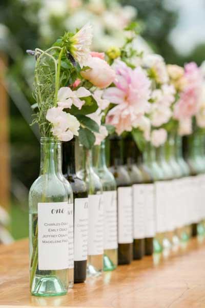 idea original como centro de mesa para boda para señalizar donde van los invitados