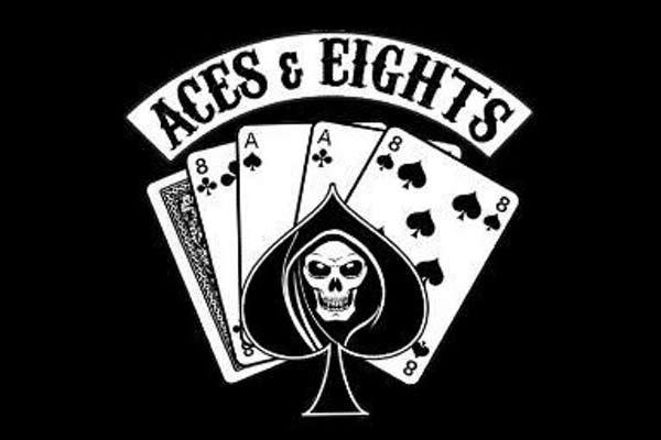 trucos y consejos para saber cuando dividir parejas de ases y ochos en el black jack