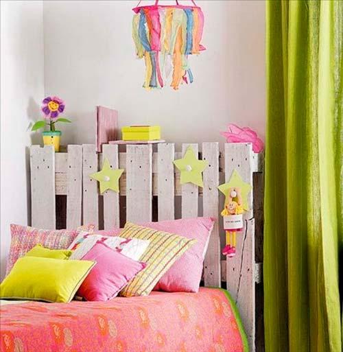 palet convertido en cabecero de cama infantil idea original reciclada