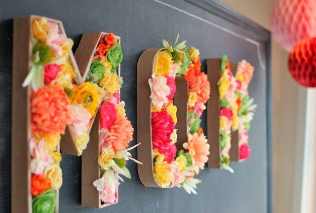 nombre decorado con flores para regalar en navidades