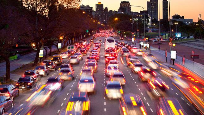 cómo ahorrar gasolina en trayectos por ciudad