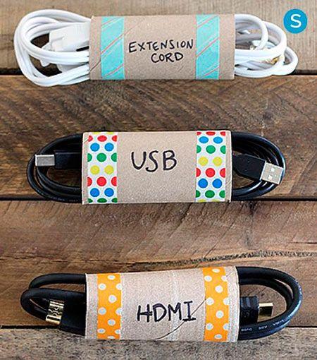 rollo de carton de papel higienico para guardar cables y cuerdas