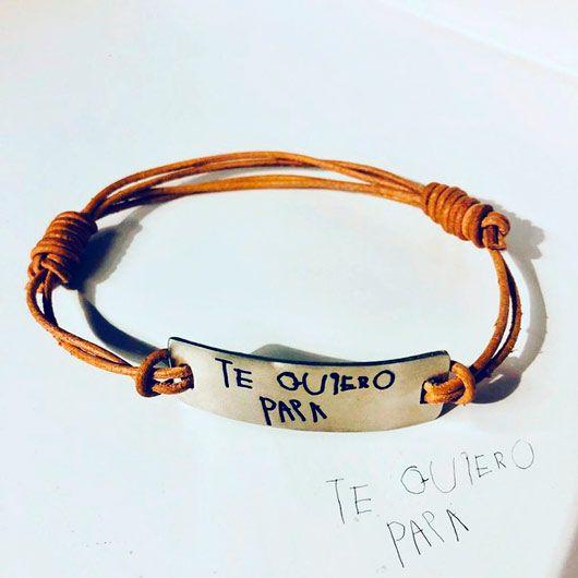 pulsera personalizada, grabada con palabras escritas por niños con su letra