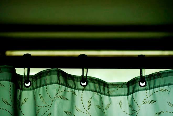 barra de una cortina de ducha