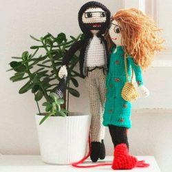 muñecas y muñecos personalizados hechos con ganchillo
